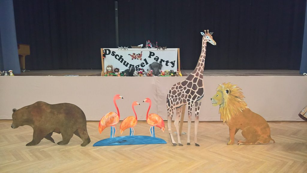 Gruppenfoto FRU Tiere bei der Duschungel Party, 9. Novembrr 2019, © Lion Squares Germany e. V.